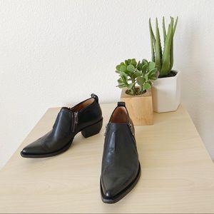 FRYE Sacha Moto shootie black  vintage leather